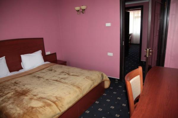 inLOBBY.com: Erebuni Hotel, Yerevan, Armenia. Make your request!